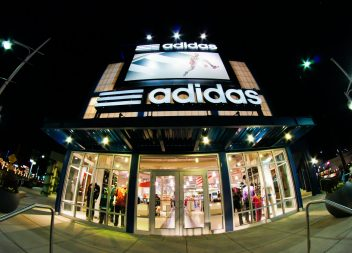 Adidas: Problems in production weaken sales