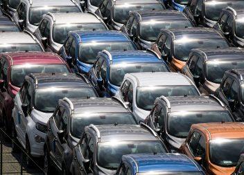 EU-Wettbewerbsbehörde setzt Autohersteller unter Druck