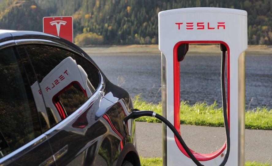 Head of production leaves Tesla