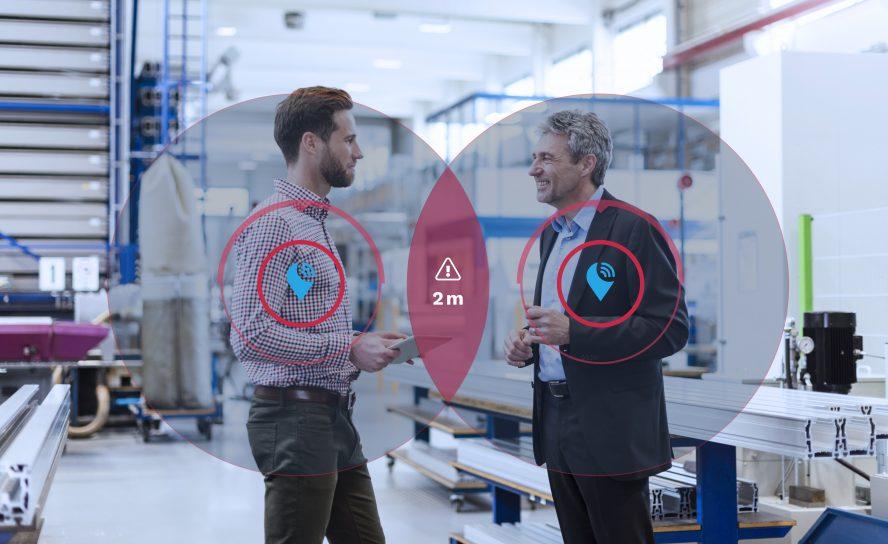 """Abstandssensor """"SafeZone"""": Sicherheitsabstand im Betrieb schnell und einfach umsetzen sowie Kontaktketten verfolgen"""