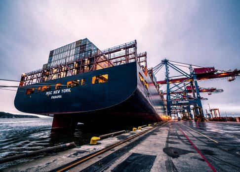 Stau im Hafen Yantian